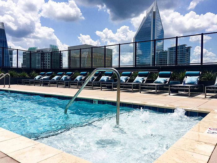 the-ascent-charlotte-apartment-pool